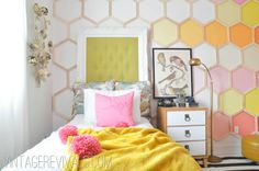 Summer House Tour ... touring 25 amazing bloggers homes! (This little girl's room is so creative!)