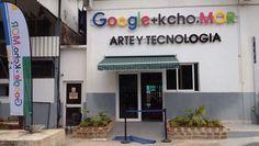 El gigante informático Googleabrió un primer centro tecnológico en Cuba en el estudio del pintor Alexis Leyva, conocido como Kcho, quien gestiona el servicio de manera gratuita en ese centro de transferencia tecnológica. El centro tecnológico, inaugurado hace dos semanas, lleva por nombre Google + Kcho.Mor y está ubicado en Romerillo, un humilde barrio popular…