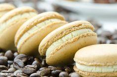 christina 39 s catchy cakes macarons ohne mandeln macaron pinterest mandeln haselnuss und. Black Bedroom Furniture Sets. Home Design Ideas