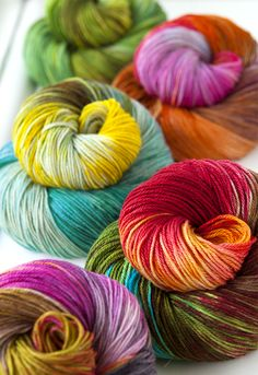 Becoming Art yarns Theia Fingering. A hand-dyed yarn made of superwash merino, cashmere and silk. These colours are brilliant combinations . Crochet Yarn, Knitting Yarn, Knitting Patterns, Yarn Thread, Yarn Stash, Yarn Bombing, Guerilla Knitting, Yarn Inspiration, Spinning Yarn