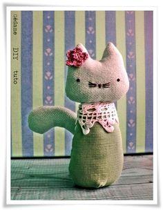 Simple stuffed kitty plushie, pattern link to follow
