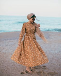 : Persian Fasion_Iranian Woman,Persian Fasion_Iranian Woman Source by , beach outfit Modest Clothing, Modest Dresses, Modest Outfits, Casual Dresses, Hijab Fashion Summer, Modest Fashion, Women's Fashion Dresses, Fashion Fashion, Trendy Fashion