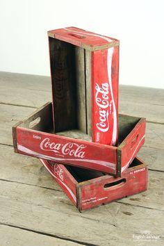 39 Super Ideas For Vintage Crate Ideas Decor Coca Cola Vintage Crates, Vintage Coke, Vintage Signs, Crate Shelves, Crate Storage, Coke Crate Ideas, Milk Crate Furniture, Coke Drink, Coca Cola Decor