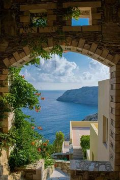 Breathtaking view in Crete, Greece || Get travel tips and inspiration for your visit to Greece at http://www.holidaystoeurope.com.au/home/resources/destination-articles/greece