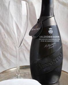Skumppaa! #kuohuviini #viini#wines#winelover#winegeek#instawine#winetime#wein#vin#winepic#wine#wineporn herkkusuu #lasissa #Herkkusuunlautasella