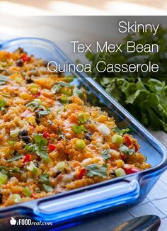 Skinny Tex Mex Bean Quinoa Casserole - I made this for dinner tonight! A hybrid of modern Mexican and Thai cuisines. Makes a perfect easy, healthy, vegetarian and gluten free dinner. Only 271 calories & 7 WW points+. Recipe from iFOODreal. Veggie Recipes, Mexican Food Recipes, Whole Food Recipes, Vegetarian Recipes, Dinner Recipes, Cooking Recipes, Salada Light, Healthy Freezer Meals, Good Food