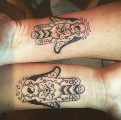 These matching, intricate Hamsa Tattoos are perfect for mom and daughter. They symbolize protection -- and a mom and daughter who are protective over each other. http://thestir.cafemom.com/beauty_style/187679/21_mother_daughter_tattoos_that
