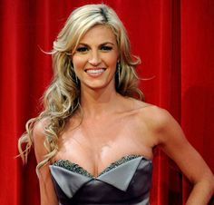 Erin Andrews the only women that talk sports and make it sexy Hottest Female Celebrities, Girl Celebrities, Celebs, Celebrity Pictures, Celebrity News, Celebrity Style, Blond, Stylish Older Women, Erin Andrews