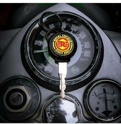 Classic 350 Royal Enfield, Royal Enfield Wallpapers, Royal Enfield India, Bullet Bike Royal Enfield, Biker Photography, Enfield Himalayan, Bike Life, Harley Davidson, Kerala