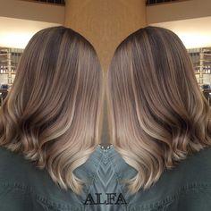 Красивый #шатуш Саши❤️ Стоимость работы на волосы средней длины - 3500₽, стоимость расхода материалов - 2000-3000₽, в зависимости от индивидуальных особенностей Ваших волос✔️ Девочки, не забываем что 2️⃣7️⃣, 2️⃣8️⃣ и 2️⃣9️⃣ апреля очень благоприятные дни для стрижекскорее к нам! #кератин #волосы #сомбре #сомбреспб #шатушспб #омбре #окрашиваниеволосспб #омбреспб #olaplex #ombre #shatush #ombrehair #wella #wellahair #брондирование #keratin  #ультразвуковоенаращиваниеволос #наращиваниеволосспб