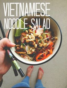 Vegan Vietnamese Noodle Salad | big city doe can't wait to try this it looks delicious!