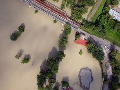 Pozrite si letecké zábery rozvodneného Dunaja v Bratislave (streda) - www.sme.sk Bratislava, Niagara Falls, Nature, Painting, Travel, Naturaleza, Paintings, Viajes, Traveling