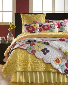 Beautiful Quilt! Beautiful colors and design.
