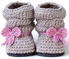uggs: Mia Slouch Boots by Two Girls Patterns on the LoveCrochet blog