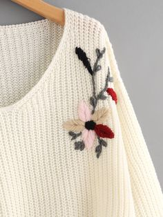 Pull-over trapèze brodé des fleurs -French SheIn(Sheinside) Hardanger Embroidery, Hand Embroidery Stitches, Embroidery Kits, Embroidery Designs, Diy Crafts Knitting, Creative Knitting, Embroidered Clothes, Embroidered Flowers, Floral Sweater