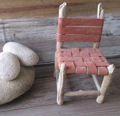 Silla echa con parlos traidos por el mar - Miniatura - Trabajo compartido con Ale que hizo el trabajo de asiento y respaldo en cuero
