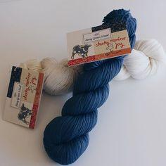 Så er det fineste merinould landet i shoppen! Rosy Green Wool Cheeky Merino Joy er 100% økologisk - og vi har netop fået garnet hjem i 12 smukke farver 💙 Se link i bio ✨ #rosygreenwool #merino #uld #økologisk #garn #wool #organic #yarn #strik #hækle #knitting #crochet #ecofriendly #ecoknittingdk #newin #igers #vsco #vscocam #vscogood #vscophile #vscogrid #vscogram