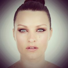 Brown Eyeliner Soft Smoky Eyes Black Eye Makeup, Dramatic Eye Makeup, Cat Eye Makeup, Makeup For Green Eyes, Dramatic Wedding Makeup, Wedding Eye Makeup, Brown Eyeliner, Cat Eyeliner, Color Eyeliner