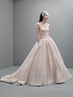 8 More Pretty Wedding Dresses From Vera Wang's Latest David's Bridal Collection