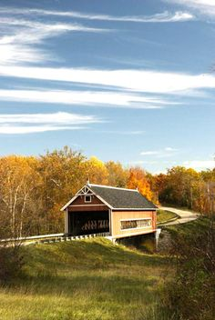We love Ashtabula County's covered bridges — especially in fall! Click for details on a scenic drive: http://www.midwestliving.com/travel/ohio/ashtabula-county-ohio-driving-tour/#