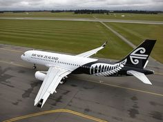 """Bill✔️  Air New Zealand - New Livery (2014) Introduced to coincide with the new """"Dreamliner"""" launch.....A move away from the """"Teal"""" colour-ways - used for the whole life of the Company. (TEAL was the original name)  Bill Gibson-Patmore  . (Image curation & caption: @BillGP). Bill✔️ oul"""