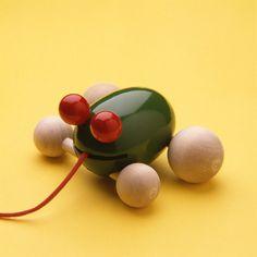 """Aarikka tug toy """"Sammakko"""" (Frog) 1996"""