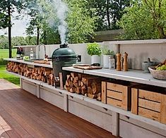 Outdoor kitchen instead of fence | BRIGHT