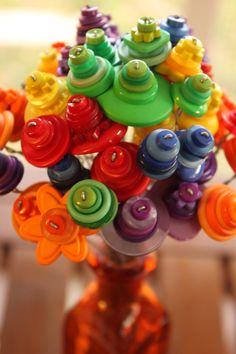 button flowers - these are so cute and so easy that you can use them for a children's class.