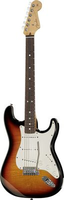"Fender 2013 Cust DLX Strat RW F3TSB  Fender 2013 Cust DLX Strat RW F3TSB, e-guitar, okume body, thomann AAA flamed maple top, AAA flamed maple neck, 648 mm Scale, ""mid 60s Oval C"" neck shape, rosewood fretboard, 9.5"" radius, 22 medium jumbo bünde, Sperzel tuner with pearl buttons, 3x Fat 50s singlecoil pickups, 5 way toggle switch, three ply parchment pickguard, thomann custom classic bridge with tremolo, micarta nut, color: faded three tone sunburst."