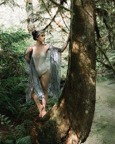 MAXI KIMONO - MUTED INDIGO Cool Summer Outfits, Summer Chic, Cute Outfits, Summer Dresses, Motif Kimono, Hippie Masa, Bohemian Soul, Rock Chic, Lightweight Jacket