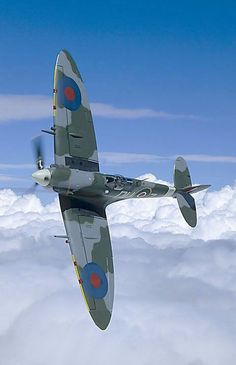 The Supermarine Spitfire (Single-seat fighter aircraft used by the Royal Air Force) Ww2 Aircraft, Fighter Aircraft, Military Aircraft, Fighter Jets, Spitfire Supermarine, Image Avion, Photo Avion, The Spitfires, Ww2 Planes