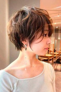For the trendiest pixie cut styles of 2019 check out our gallery. We selected the most feminine and stylish options for any preferences from a short undercut curly pixie for a round face to a longer shaggy cut for an oblong one. Pixie Haircut For Round Faces, Pixie Haircut Styles, Pixie Bob Haircut, Pixie Haircut For Thick Hair, Longer Pixie Haircut, Round Face Haircuts, Short Hair Cuts, Curly Hair Styles, Pixie Styles