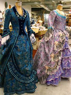 ooh the blue one!  mmm fabric ideas!