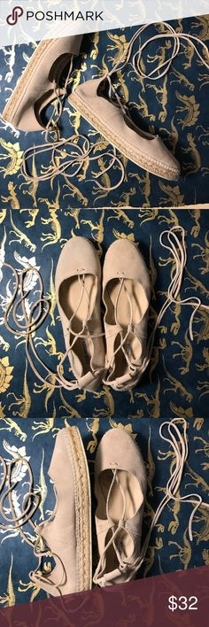 Steve Madden Lace up Flats Adorable Steve Madden lace up flats! Bought for a party but not my style! So cute with dresses or skinny jeans. Women's 10! Steve Madden Shoes