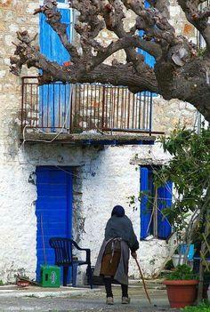 Street of Chania Beautiful Wife, Beautiful Places, Zorba The Greek, Crete Island, Crete Greece, What A Wonderful World, Best Memories, Wonders Of The World, Breathe