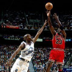 Michael Jordan: 10 legendarische momenten in beeld!