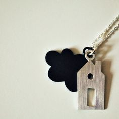 all those cute little houses..... and shrink skyes.... lovely .-)