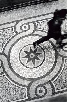 Atelier #Robert Doisneau | Galeries virtuelles des photographies de Doisneau - Paris - Passages et galeries
