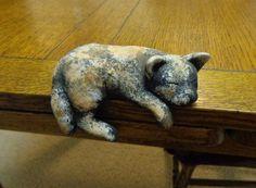 Shelf sitter tortoise cat figurine hand painted plaster vintage cm1477