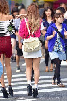 Short Skirts, Mini Skirts, Shoe Holders, Female Feet, Skate, Sequin Skirt, Tights, High Heels, Asian