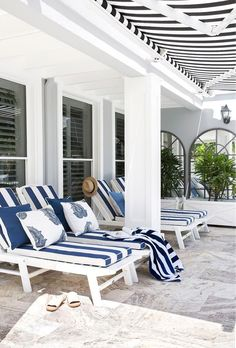 Australian have long had an affection for Hamptons decor. Here, interior designers Diane Bergeron, Thomas Hamel and Linda Kerry share their secrets to perfecting Hamptons style in any home. Hamptons Decor, Hamptons Style Homes, The Hamptons, Hamptons Beach Houses, Hamptons Style Bedrooms, Outdoor Rooms, Outdoor Living, Outdoor Decor, Outdoor Ideas