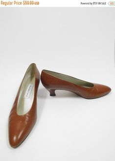 258bb4b4a Vintage 1990s 90s Liz Claiborne Tan Camel Soft Faux Leather Minimal Low  Heels Round Toe Classic Pumps Shoes Sz 10M