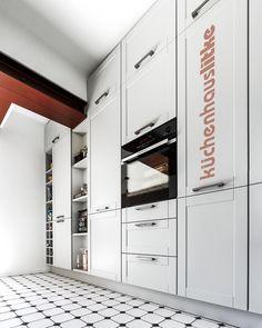 #Landhaus #Countrystile #Küche #Kitchen #Litke  #Interior Closet, Home Decor, Farmhouse, Projects, Armoire, Decoration Home, Room Decor, Closets, Cupboard