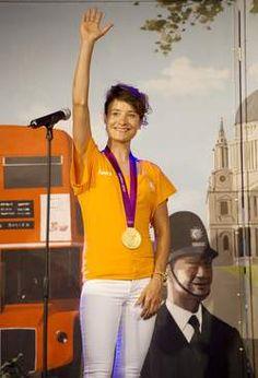 Ruim 1000 mensen huldigen Marianne Vos. b15-08-12 21:32 uur - Bron: ANP Marianne Vos, Olympics, Champion, Sport, Inspiration, Style, Biblical Inspiration, Swag, Deporte