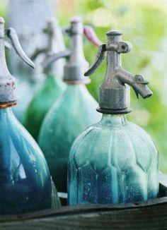 Aqua / Turquoise