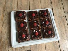 Lavkarbo brownies - Himmelsk seig og god! - Elisabeth Holm Brownies, Waffles, Cherry, God, Fruit, Breakfast, Dios, Breakfast Cafe, Waffle
