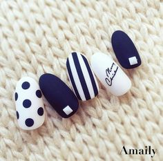 manicure - navy blue & white #nailart #naildesign