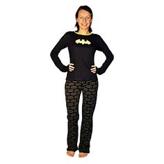 When it is time for bed, be dressed and ready to save Gotham city with this Batgirl Ladies' Pajama Set. You never know when Batman is going to call for your Pajamas Women, Geek Culture, Geek Chic, Batgirl, Nerdy Things, Nice Things, Pjs, Pajama Set