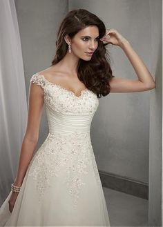 Elegant Chiffon & Tulle V-neck Neckline Natural Waistline A-line Wedding Dress With Beaded Lace Appliques
