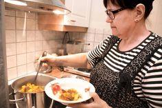 Peijaisiin valmistuu maittava hirvisoppa - ESS.fi Venison, Game, Deer Steak, Gaming, Toy, Games